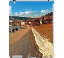Country road in winter village scenery | landscape photography iPad Case/Skin