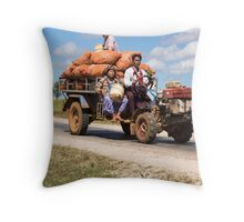 transporting onions Throw Pillow