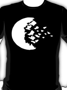 rwby fractured moon white  T-Shirt