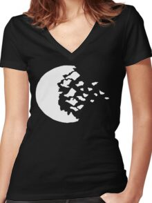 rwby fractured moon white  Women's Fitted V-Neck T-Shirt