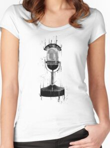 DARK ON THE AIR Women's Fitted Scoop T-Shirt