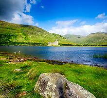 Kilchurn Castle Loch Awe by Chris Thaxter