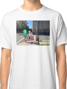 Walk in the city Classic T-Shirt