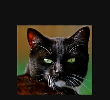 Green eyed black cat Classic T-Shirt