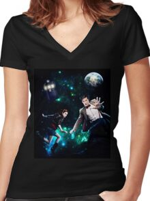 Amy and The Doctor in Space Women's Fitted V-Neck T-Shirt