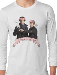 I believe in Johnlock Long Sleeve T-Shirt