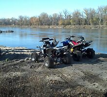 atv by river by carsr32