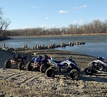 atvs by river by carsr32