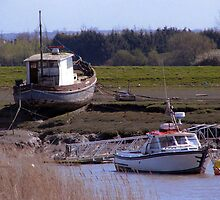 Boats, Burnham and Highbridge estuary. by Antony R James