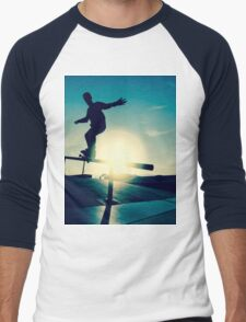 Skateboarder silhouette on a grind Men's Baseball ¾ T-Shirt