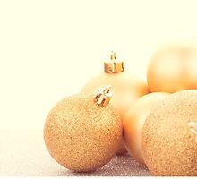 Golden christmas balls by homydesign