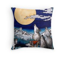Howling with wolves Throw Pillow