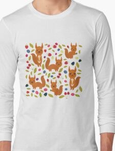 pattern with red squirrel Long Sleeve T-Shirt