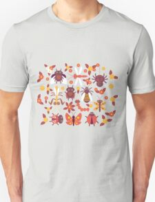 Funny insects Spider butterfly caterpillar dragonfly mantis beetle wasp ladybugs  T-Shirt