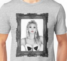 QUEEN CL Unisex T-Shirt