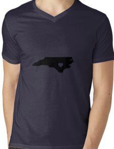 North Carolina <3 Mens V-Neck T-Shirt