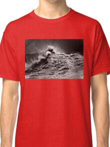 Winter Waves At Pipeline 13 Classic T-Shirt