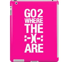 Go 2 Where The Smiles Are :-) : Pink iPad Cover iPad Case/Skin