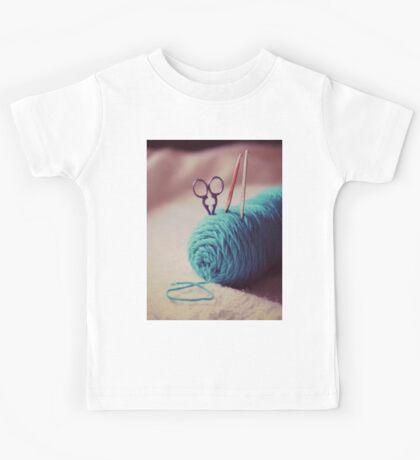 turquoise yarn Kids Tee