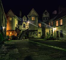 White Horse Close, Canongate. Edinburgh (HDR) by Miles Gray