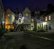 White Horse Close, Canongate. Edinburgh by Miles Gray
