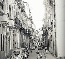 Habana Street by Valentino Visentini
