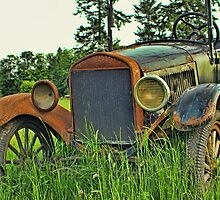 Old Rusted convertible by rharrisphotos