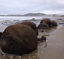 Moraki Boulders, New Zealand by bsauvey