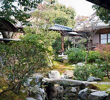 Isuien Garden tea Houses by photoeverywhere