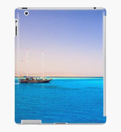 Sailing Through The paradise iPad Case/Skin