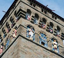 Clock tower at Cardiff Castle by photoeverywhere