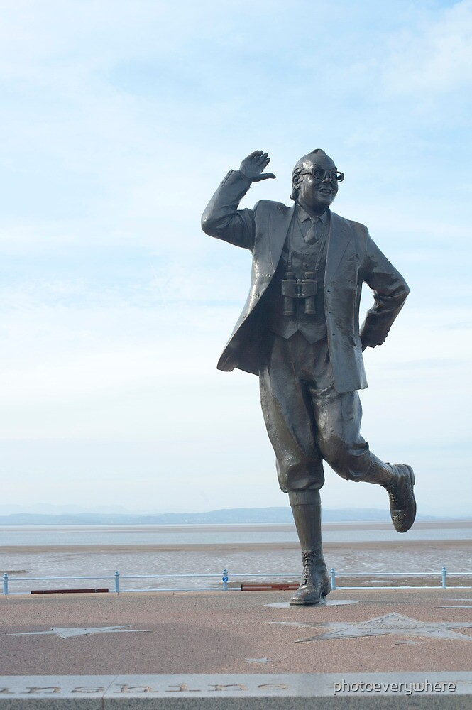Eric Morecambe statue by photoeverywhere