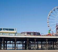 Blackpool Central Pier by photoeverywhere