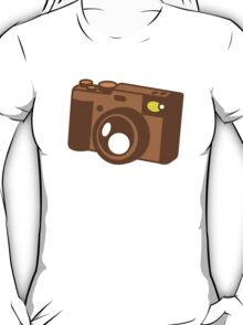 Old school vintage camera with lens T-Shirt