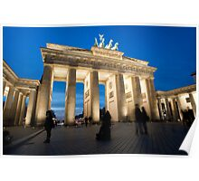 Night view of the Brandenberger gate Poster