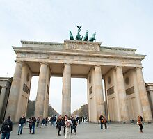 Brandenburg gate by photoeverywhere