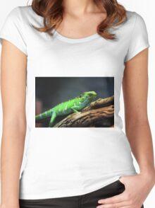 Green Lizard on Tree Branch Women's Fitted Scoop T-Shirt