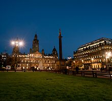 George Square in Glasgow at night by photoeverywhere