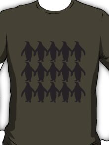 Many penguins chain hands holding pattern T-Shirt
