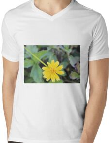 That one flower Mens V-Neck T-Shirt