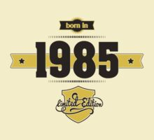 Born in 1985 (Choco&Yellow) by ipiapacs