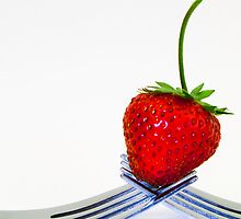 Still life - Strawberry by DPalmer