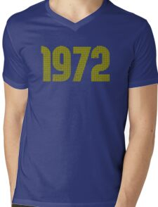 Vintage Look 1970's Funky Year Graphic 1972 Mens V-Neck T-Shirt