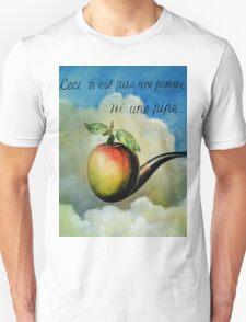 Ceci n'est pas une pomme ni une pipe T-Shirt