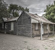 Old Yea House by Colin  Ewington