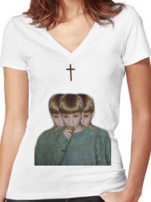 Portamento  Women's Fitted V-Neck T-Shirt