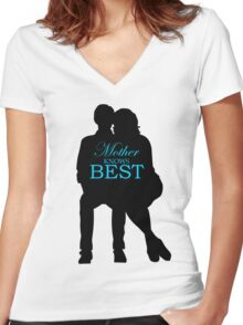 Mother Knows Best Women's Fitted V-Neck T-Shirt