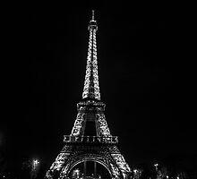 La Tour Eiffel En Noir Et Blanc La Nuit by Austen Risolvato