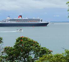 Queen Mary 2 - Visits Darwin Australia by Sean  Carroll