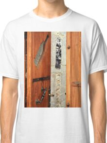 wood old door Classic T-Shirt